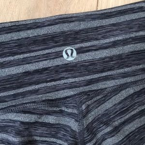 lululemon athletica Pants - Lululemon Crop Stripe Wunder Under